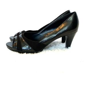 East 5th ladies black heels